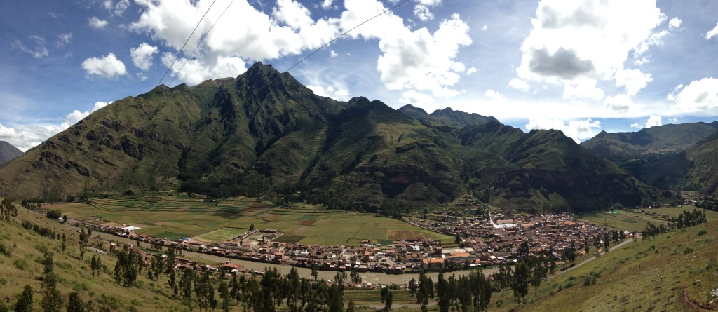 Beginning the descent into Pisac town.